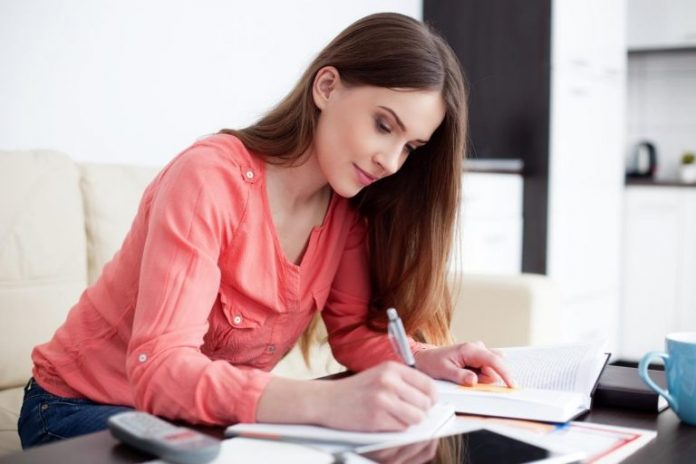 Benefits-of-an-Essay-Writing-Service-768x512-1