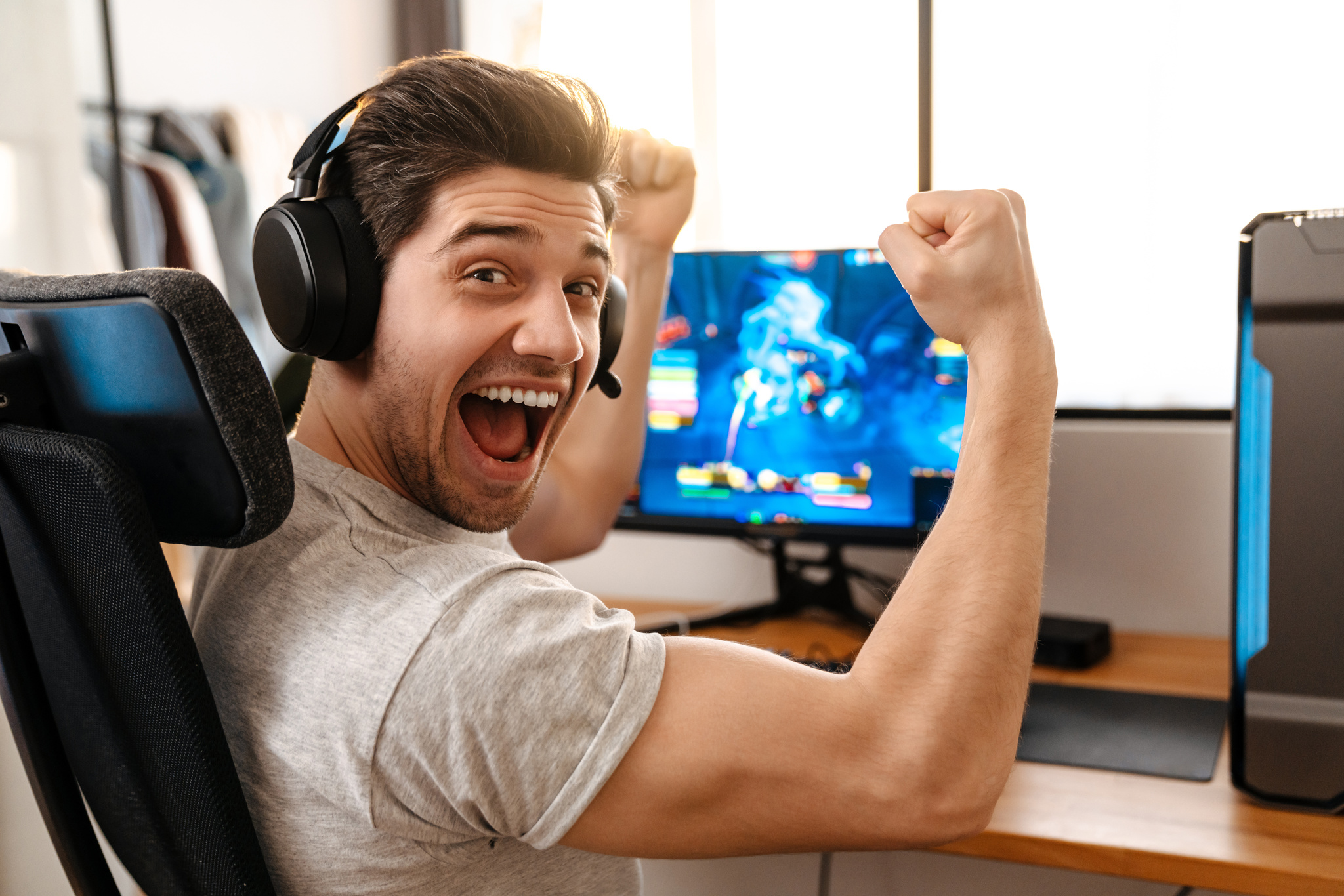 Gaming : 7 amazing factor to earn money from online